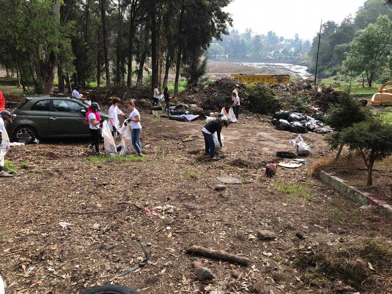 Cleaning up the Capulín Dam