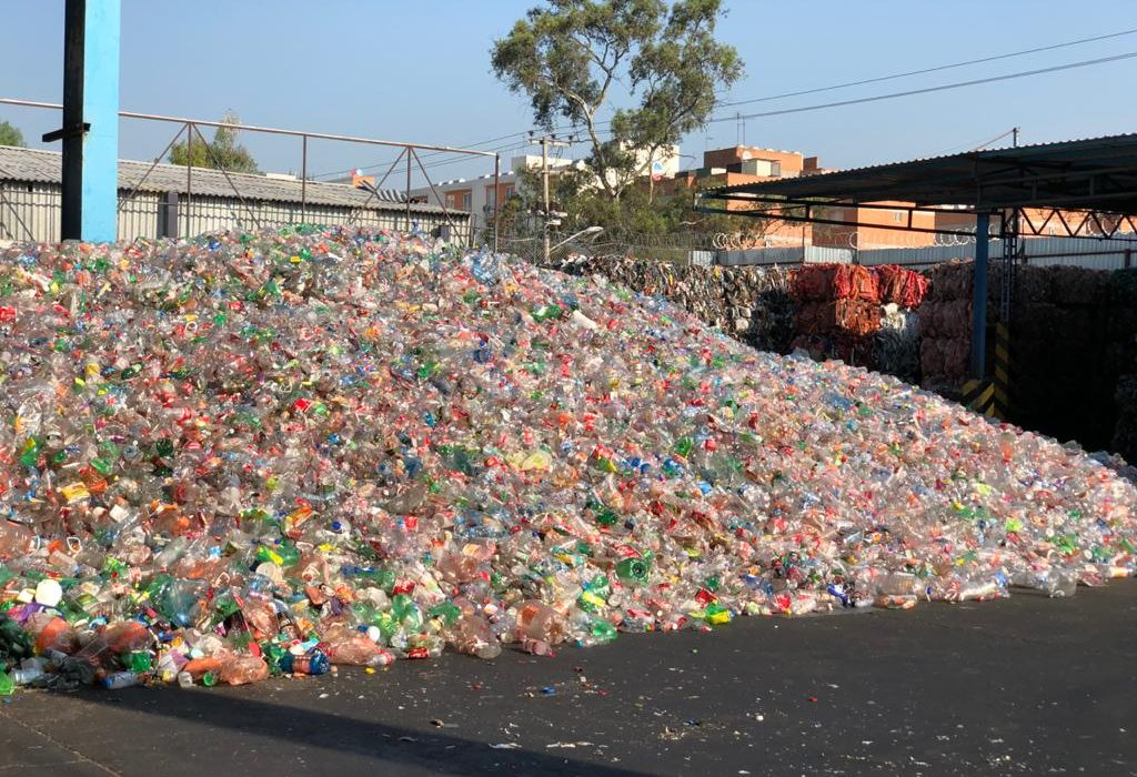 Inclusive Recycling: Plastic waste in Mexico .